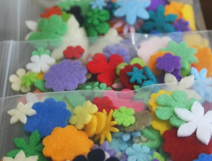 FIX mix stash bag (over 50 felt flower pieces)