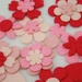 Wool blend felt flowers 24 piece set - pinks
