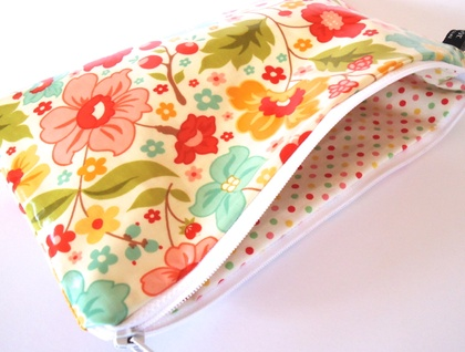 Large cosmetic case summer floral oilcloth felt