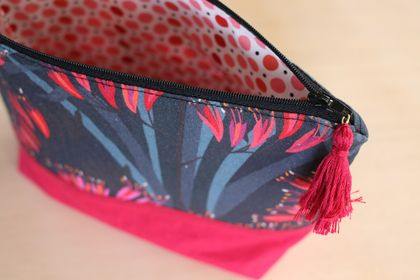 Fabric Zippered Pouch - Harakeke
