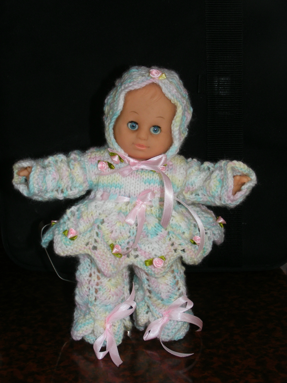Knitting Dolls Clothes : Knitted dolls clothes felt