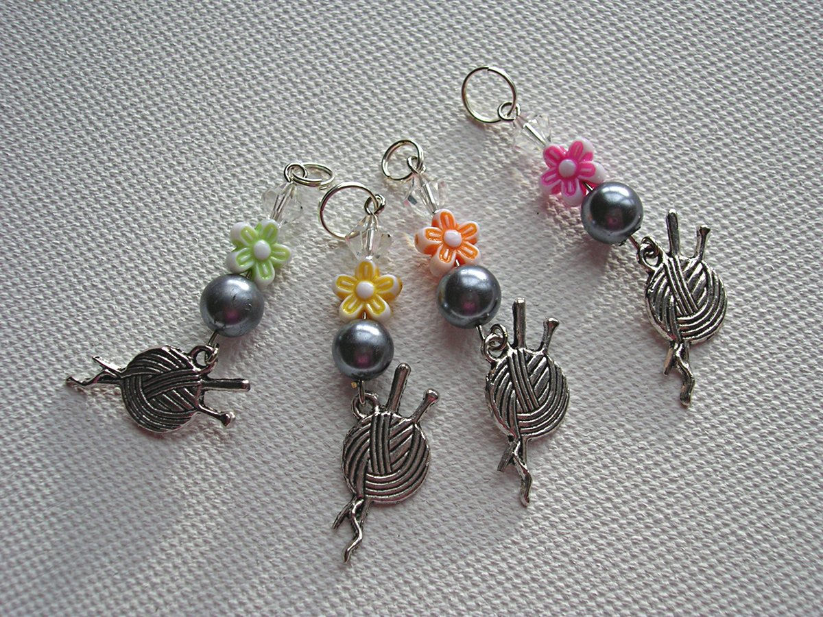 Knitting Stitch Markers Nz : Crystal Bead Stitch Markers for Knitters Felt