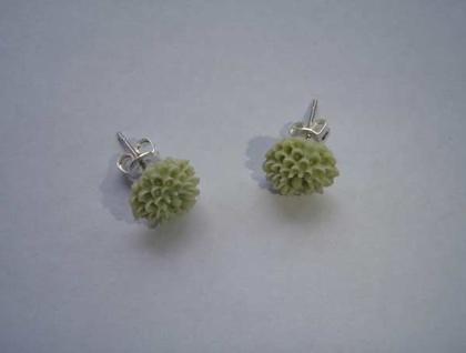 Pretty Flower earrings - Soft green