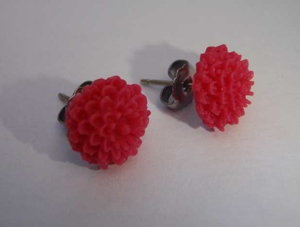 Pretty flower earrings -Raspberry
