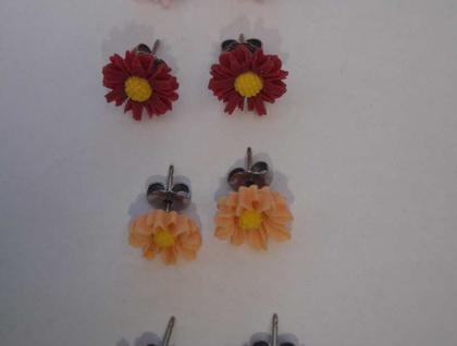 Daisy Earrings - Maroon
