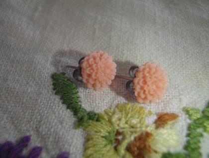 Pretty flower earrings -Apricot