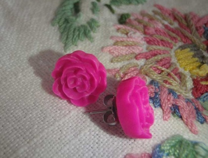 Flat Rose earrings - Bright Pink