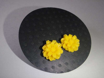 Daisy Earrings - Sunny Yellow