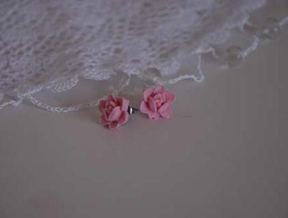 Petal Earrings - Soft Pink