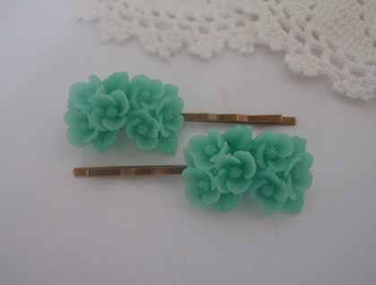 Bobbi Pins - Lovely teal bouquet flowers
