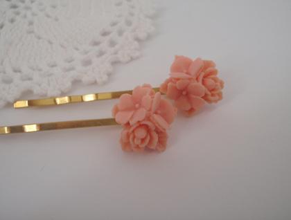 Bobbi Pins - Lovely light pink bouquet flowers