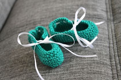 Knitting Pattern Felted Baby Booties : Dance With Me Baby Booties - PDF Knitting Pattern Felt