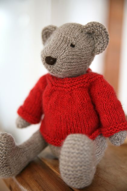 Bear's Winter Wardrobe - PDF Knitting Pattern