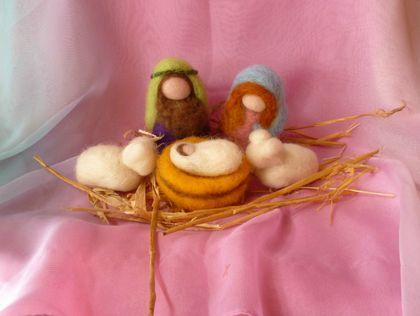 New Zealand   Wool needle  felted   -     Nativity Scene  - Waldorf inspired