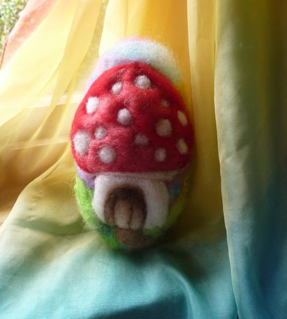 Large wool  egg - Toadstool - New Zealand wool - Needle felted
