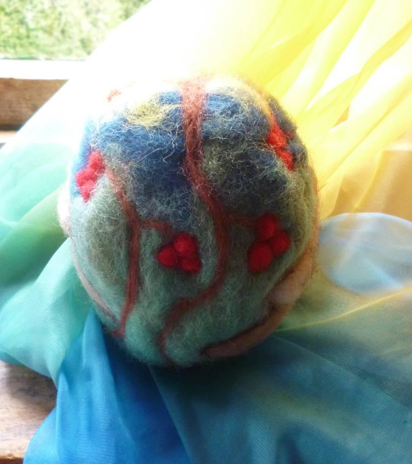 Large wool egg - Birds - 100% New Zealand wool