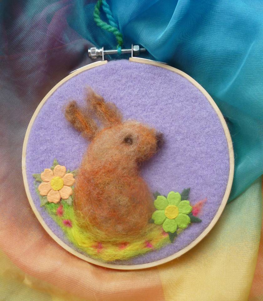 Easter rabbit - Hand needle felted in New Zealand wool - in wooden embroidery hoop