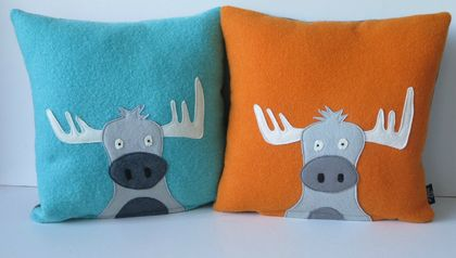 "Cushion ""Moose"" you choose the coloured back ground."