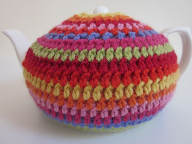 Gorgeous Crochet Tea Cosy (and Teapot!) | Felt