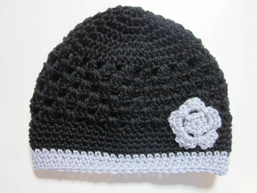 Gorgeous Black and Grey Pure Wool Beanie - size 4+