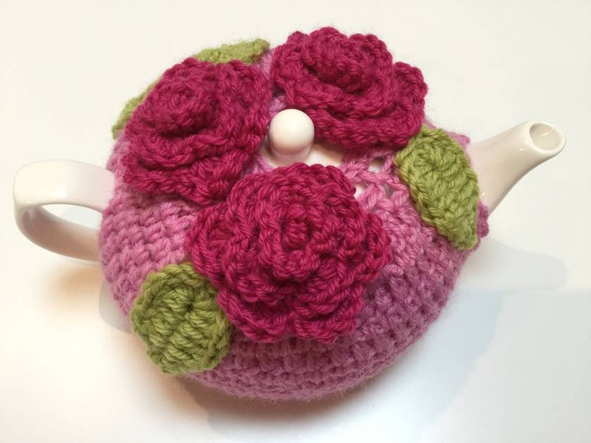 Gorgeous Pink Tea Cosy with Roses (and free teapot!!)