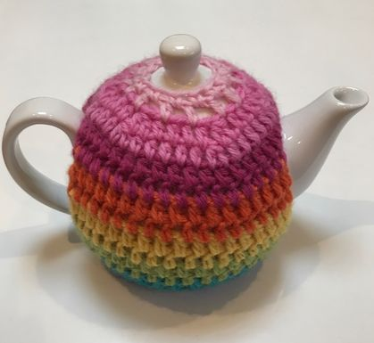 Gorgeous Striped Tea Cosy with FREE Teapot!!