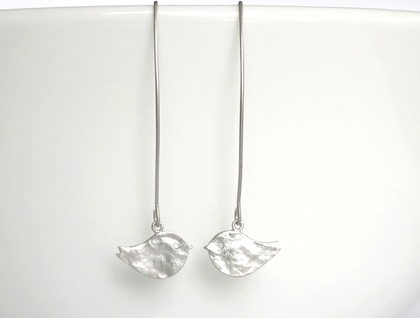 Super Sweet Matte Silver Hammered Bird Long Earrings