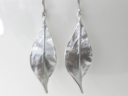 Gorgeous Solid Leaves with a Twist Earrings