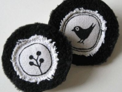 Blackbird and Tree fabric brooches