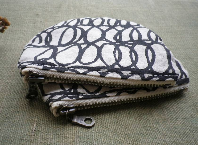Hand printed linen and cotton coin purse - Scribble