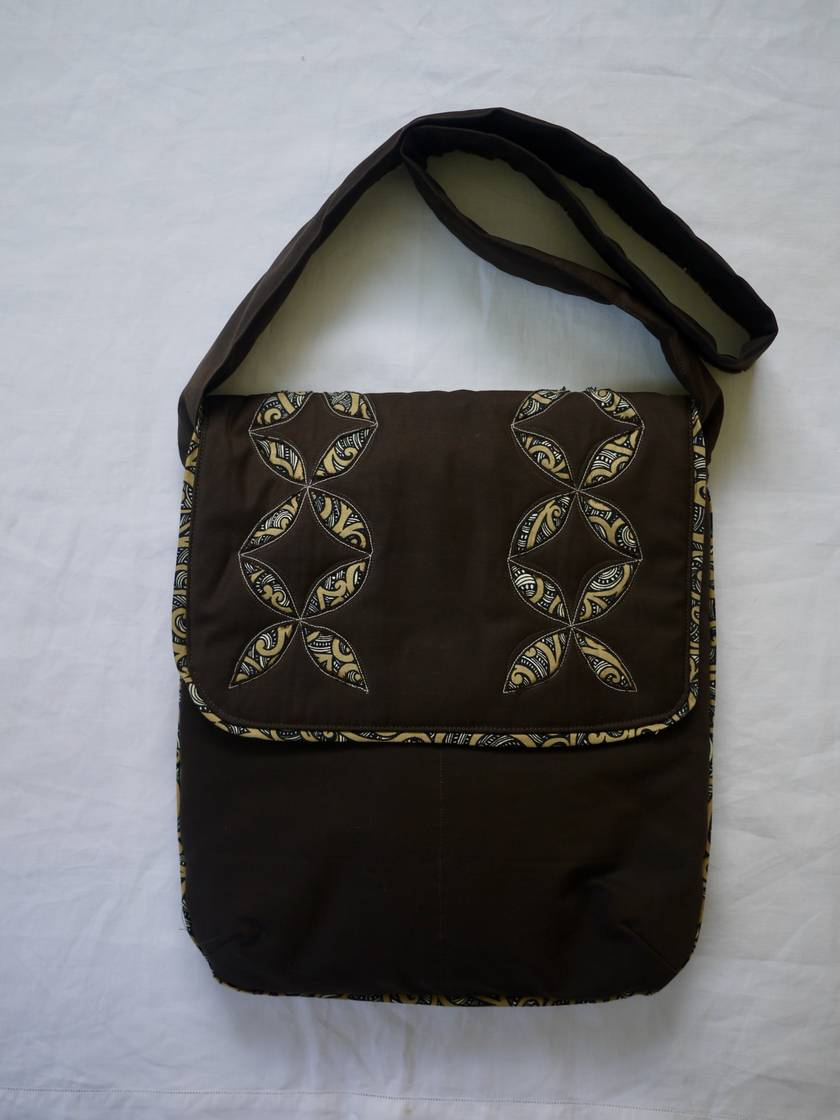 Shoulder bag with a NZ look.
