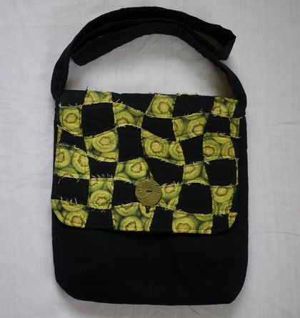 Kiwi fruit shoulder bag