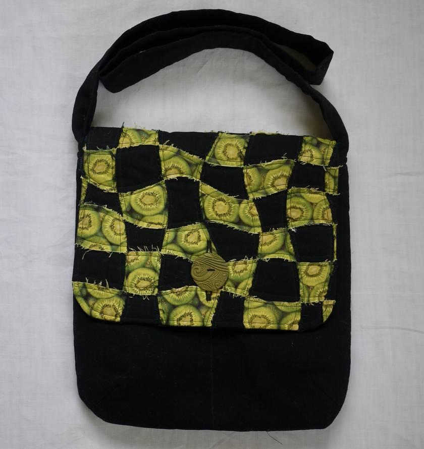 Kiwi fruit shoulder bag