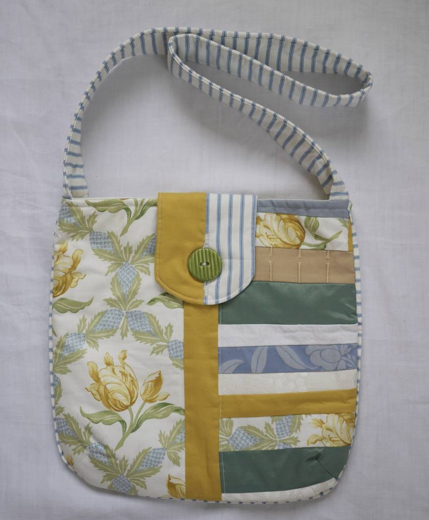 Fresh summery shoulder bag.