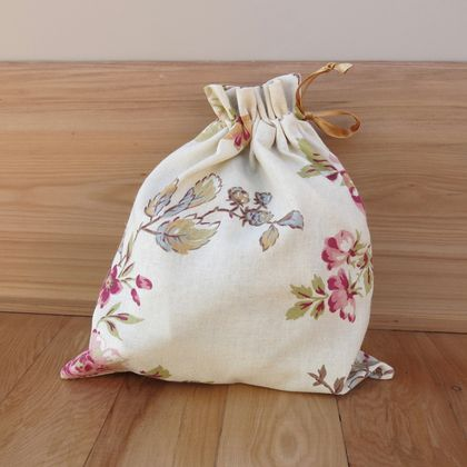 Fabric gift bag - Pink Flowers M