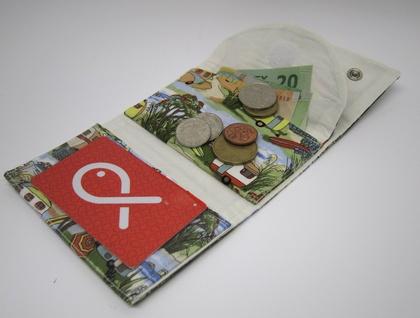 Compact Wallet - Retro Holiday