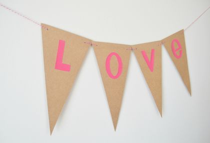 Hot pink love bunting on kraft card