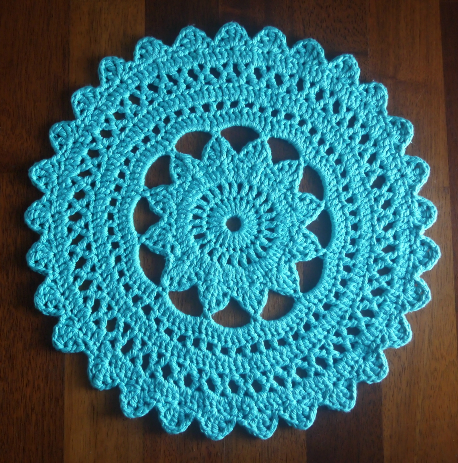 Crochet Rug Patterns : Circular Lace Pattern Crochet Doily Rug Felt
