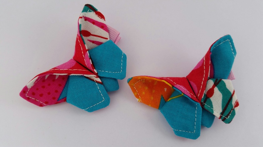 "ORIGAMI Butterfly Hair Clip ""African Butterfly & Pink Dot"""