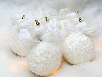 White Christmas Ornaments, White Beaded Christmas Decoration, Beaded Ornaments, Christmas Bauble, Snow Ball Ornament