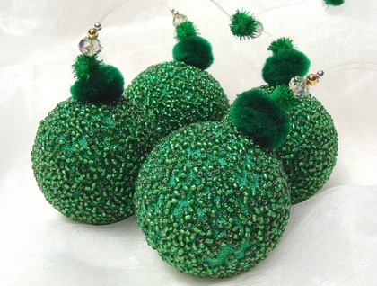 Green Beaded Christmas Decoration, Christmas Ornaments, Beaded Ornaments, Christmas Bauble