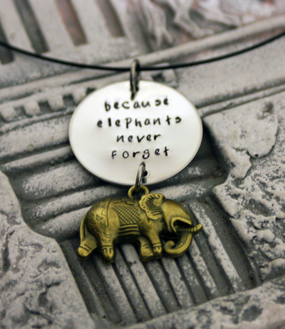 elephants never forget pendant felt. Black Bedroom Furniture Sets. Home Design Ideas