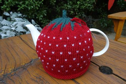 Knitted 'Berry' Tea Cosy