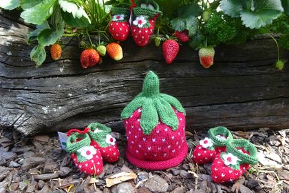 Hand Knitted 'Strawberry' Booties