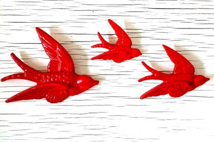Set of 3 RED Coloured Birds - Ready to hang on the Wall