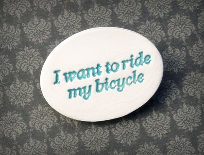 "Teal ""I want to ride... "" ceramic biycle brooch"