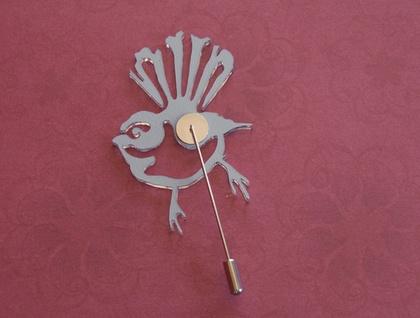 Mirror fantail brooch