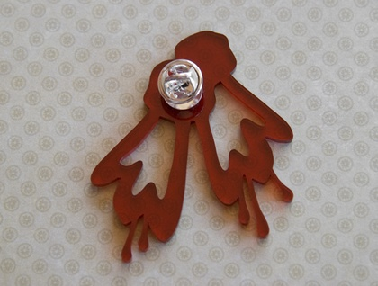 Red kowhai brooch