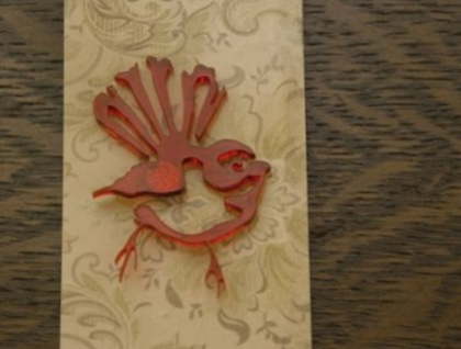 Fantail brooch – red