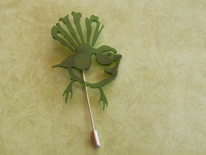 Green fantail brooch